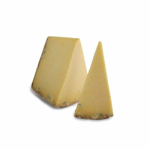 Cantal AOP vieux au lait cru.