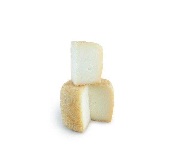 Tomme broucaou lait de brebis et de chèvre Les Fromageurs